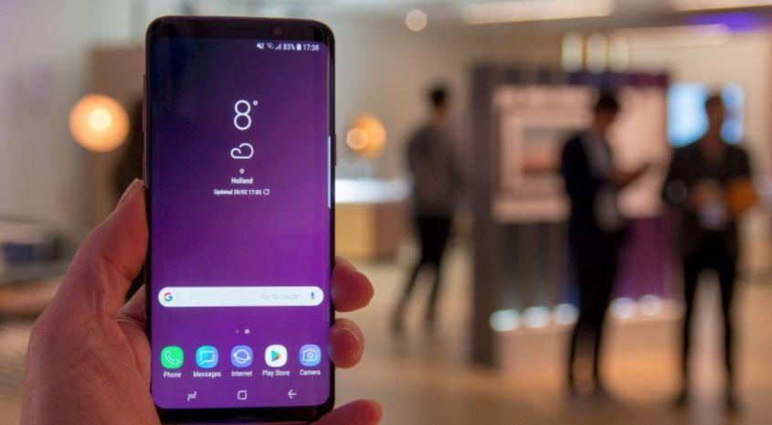 Galaxy S9 schermo AMOLED